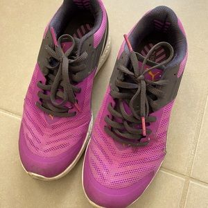 Puma women running shoes sneakers size US6